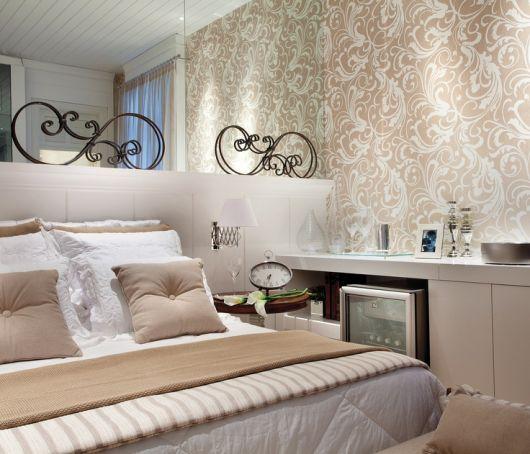 arabescos parede lateral cama