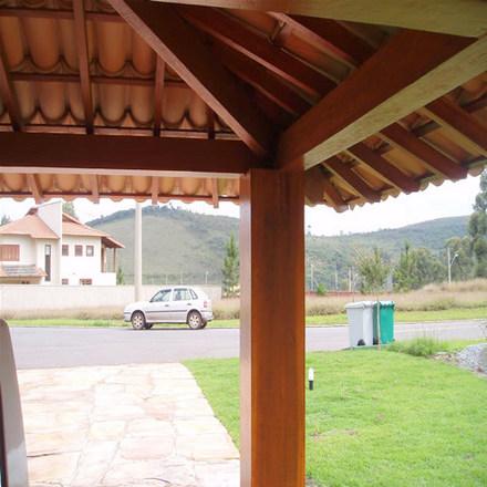 Para áreas externas o madeiramento visível é uma ótima opção