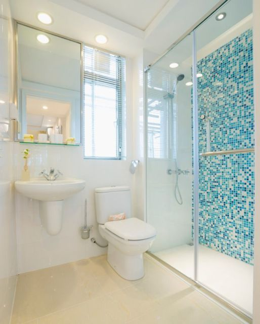 BANHEIRO AZUL 80 Ideias de Projetos e Fotos! -> Decoracao De Banheiro Pequeno Com Pastilhas Azul