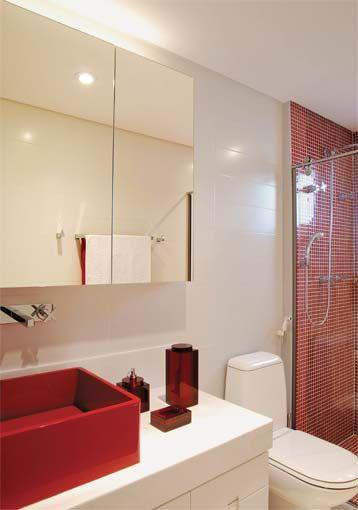 70 BANHEIROS MODERNOS IMPERDÍVEIS! Fotos e Dicas -> Pia De Banheiro Vermelha