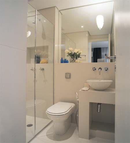 banheiro barato com cores claras