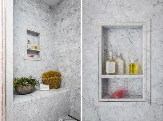 nicho decorado em banheiro