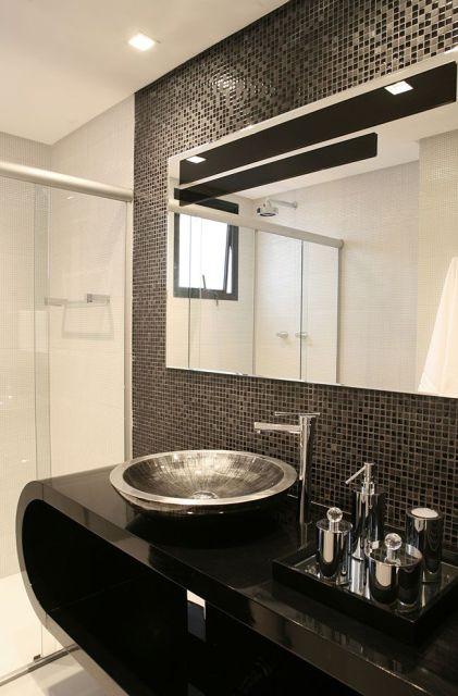 BANHEIRO PRETO E BRANCO 45 Estilos e Fotos! -> Banheiros Modernos Pastilhados