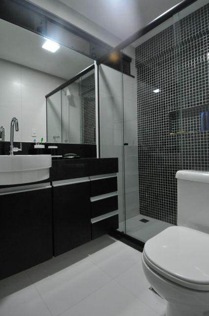 BANHEIRO PRETO E BRANCO 45 Estilos e Fotos! -> Banheiro Pequeno Com Ceramica Preta