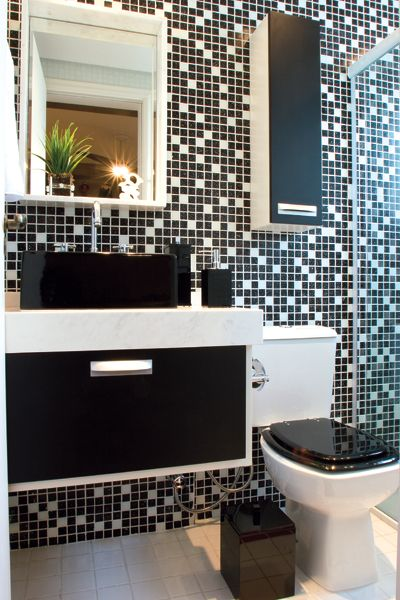 BANHEIRO PRETO E BRANCO 45 Estilos e Fotos! -> Banheiro Com Pastilha Vermelha E Branca