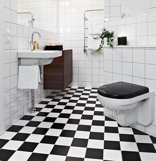 piso xadrez preto e branco