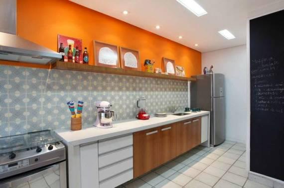 Fotos de cozinhas coloridas com ladrilho hidráulico neutro