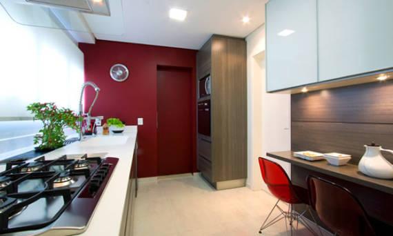 Fotos de cozinhas com parede vermelha