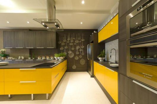cozinha marrom moderna