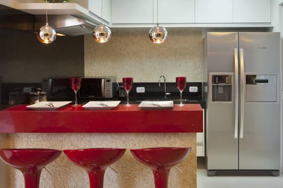 Fotos de cozinha com silestone vermelho