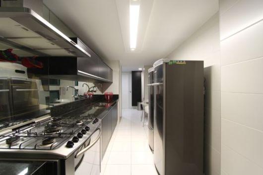 cozinha corredor moderna