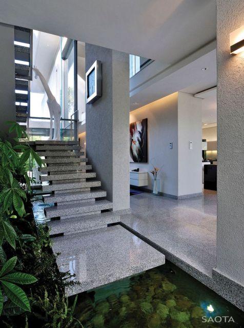 Escada de granito 40 modelos dicas cores for Sala de estar de mansiones