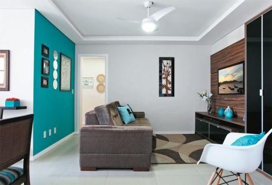 sala marrom e azul