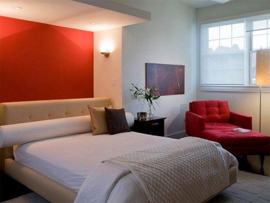 quarto vermelho e branco