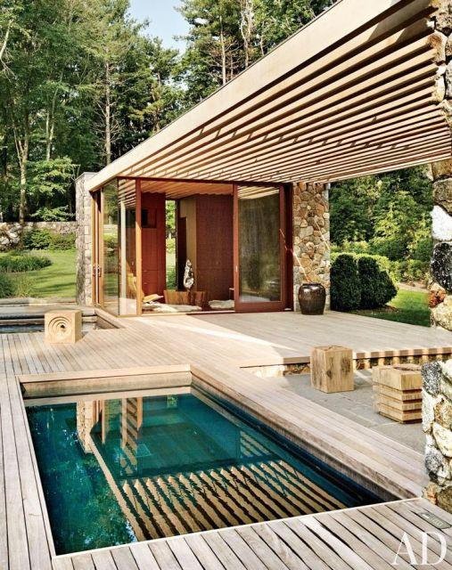 casa com piscina e hidromassagem