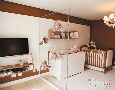 tv no quarto de bebê