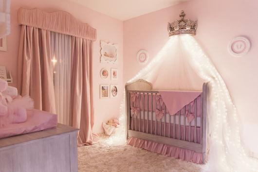 quarto decorado prata e rosa