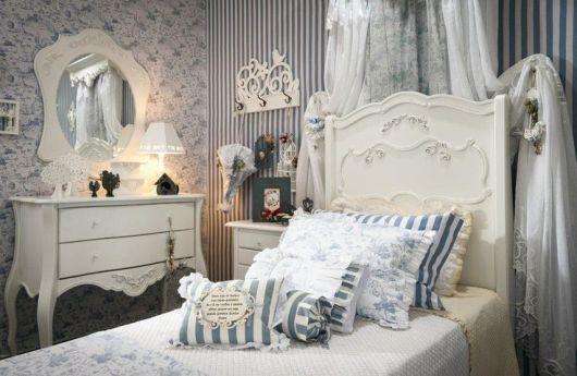 quarto provençal azul e branco