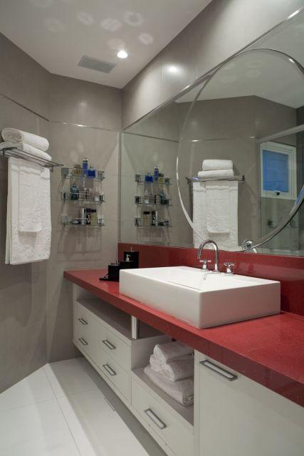 banheiro formato diferente