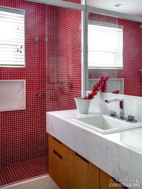 Banheiro vermelho 35 dicas combina es e tons for Imagenes de pisos decorados