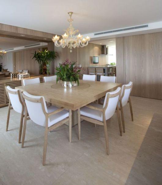 Sala De Jantar Koerich ~ madeira clara é predominante nesse projeto de um ambiente amplo e