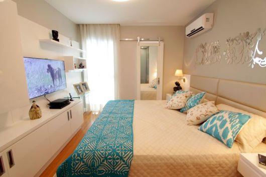 quarto de casal com tv