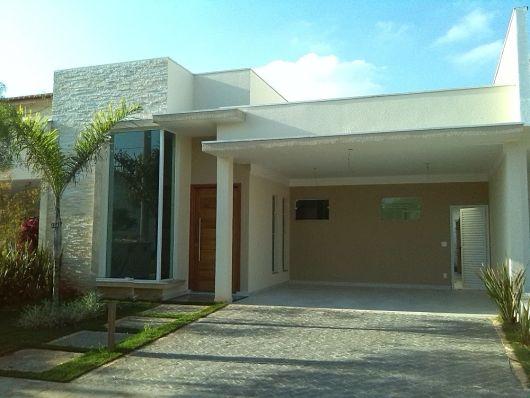 fachada com pedras decorativas