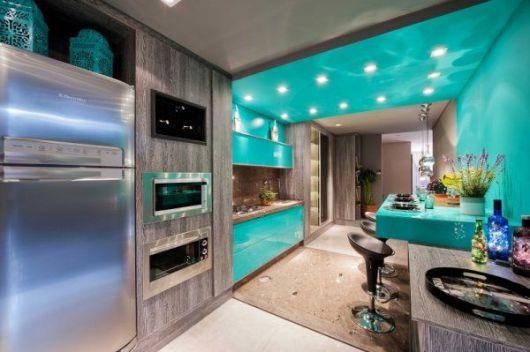 armários marrom para cozinha
