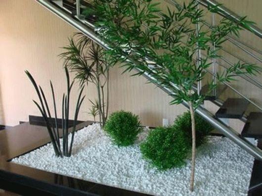 Jardim embaixo da escada como fazer fotos e dicas for Jardin artificial interior