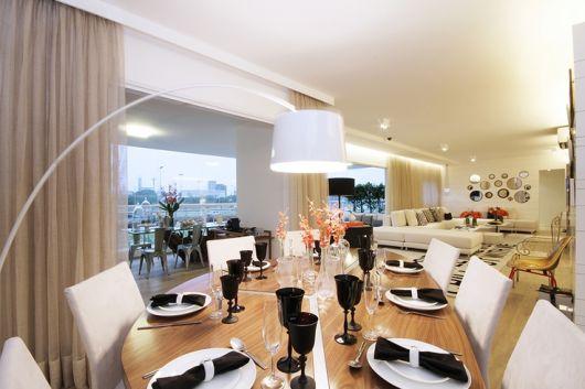 mesa moderna e grande