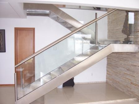 escada de metal