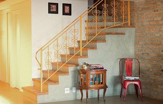 escada colonial