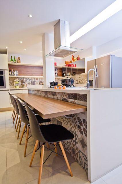 cozinha com ilha e bancada