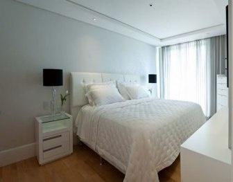 quarto de casal simples e decorado