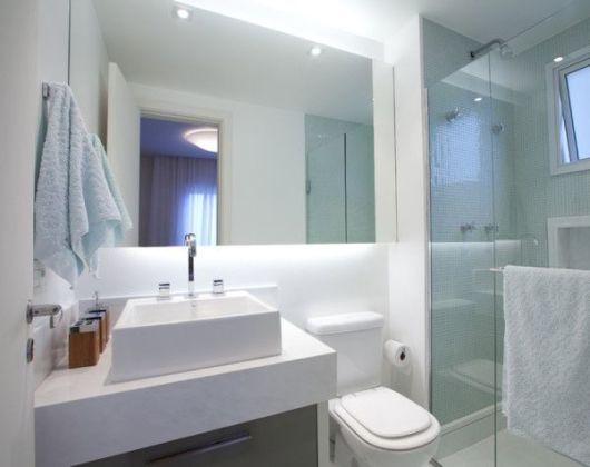 BANHEIRO BRANCO 40 fotos e ideias! -> Banheiros Com Pastilhas Em Cima Do Vaso