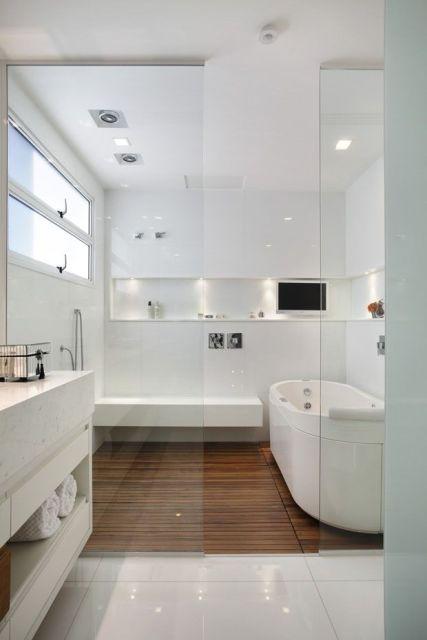 Banheiros com Banheiras 50 fotos e projetos maravilhosos! -> Banheiro Decorado Com Revestimento De Madeira