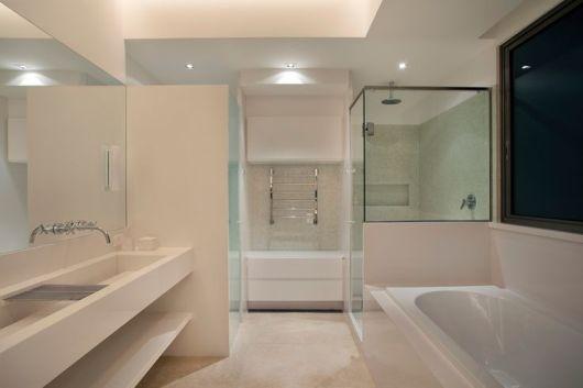 Banheiros com Banheiras 50 fotos e projetos maravilhosos! -> Banheiro Com Banheira E Dois Chuveiros
