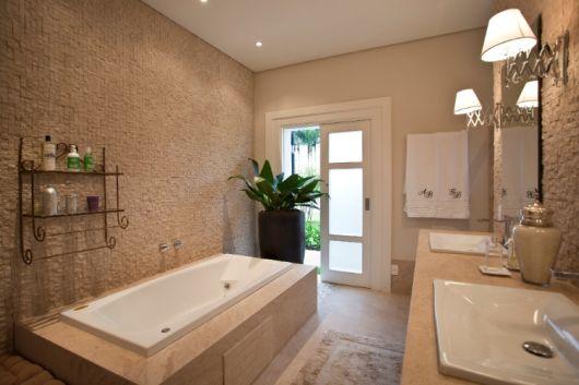 Banheiros com Banheiras 50 fotos e projetos maravilhosos! -> Banheiro Com Banheira De Cimento