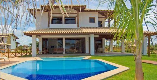 50 casas com piscina projetos dicas e fotos for Piscinas de casa
