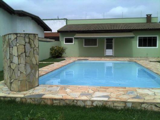 Casas com piscinas projetos e fotos for Ver modelos de piscinas