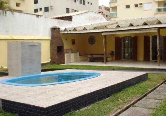 Casas com piscinas projetos e fotos for Modelos de piscinas para casas