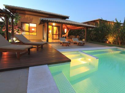 piscina com iluminação interna