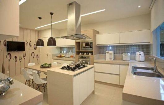 cozinha com papel de parede