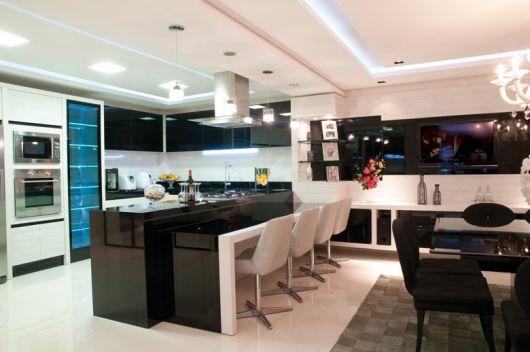 cozinha decorada preta