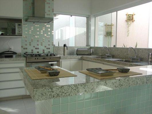 janela de vidro cozinha
