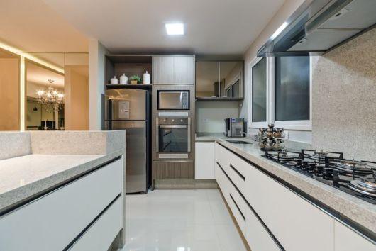 cozinha com eletros embutidos