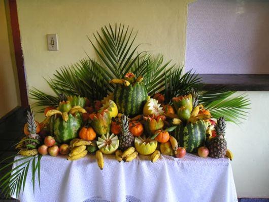 frutas cortadas e decoradas