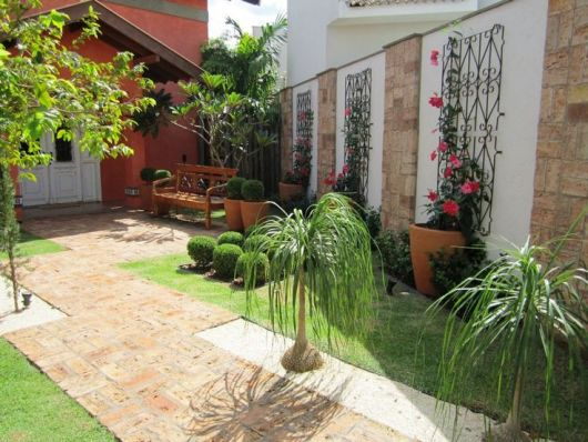 Modelos de jardins 50 inspira es para a rea externa for Arbustos para patios