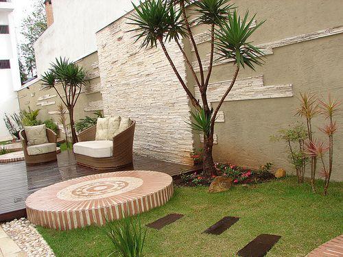 deck em jardim pequeno : deck em jardim pequeno:MODELOS DE JARDINS: 50 inspirações para a área externa!
