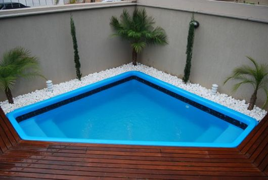 piscina triangular